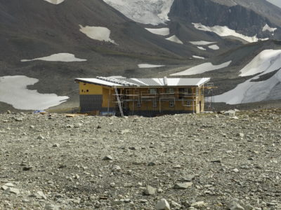Spearhead Huts Project: Construction of the Kees and Claire Hut
